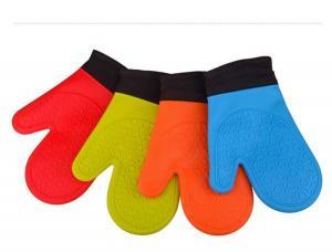 China Fashionable customized logo silicone novelty oven gloves/mitter on sale