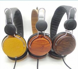 China Best Selling Good Sound Quality OEM Wood Headphones with Custom Logo on sale
