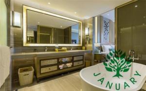 China Luxury oak Hotel bathroom Vanity Cabinets on sale