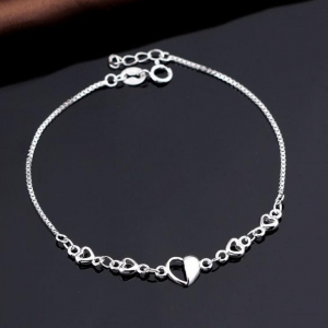 China Simple Girl's 925 Sterling Silver Heart Bracelet With Spring Ring Clasp on sale