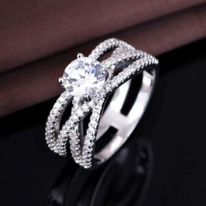 China Best Unique Silver Wedding And Engagement Designer Ring For Women on sale