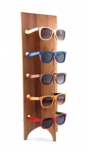 China Latest Fashion Hand Polished Natural Wood Display Rack for Sunglasses on sale