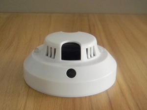 China Wireless Smoke Alarm With CCTV Camera WIFI Link Remote Monitor on sale