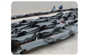 China THE ENVIRONMENT PROTECTION OIL Solid Float Rubber Boom on sale