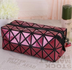 China Makeup Bag Hanging Toiletry Bag Travel Makeup Bag PU Leather Waterproof Cosmetic Bag on sale