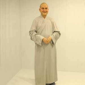 China Figure Sculpture Buddhist Monk Religious Sculpture for Sale on sale