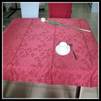 Damask pattern mitred corner polyester table cloth for restaurant