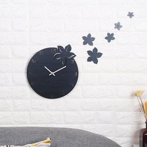 China Clock Creative Nordic Sytle Home Decoration Wood Wall Quiet Clock on sale