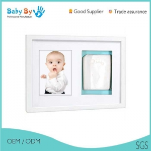 China Good quality newborn baby handprint photo frame ki on sale
