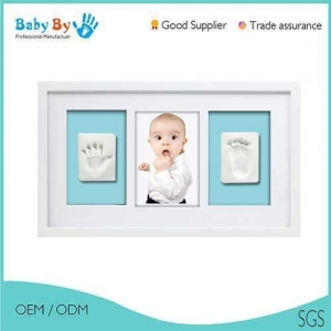China 3 windows baby handprint photo frame kit with clay on sale