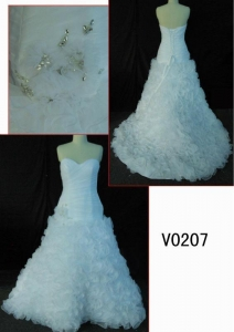 China V0207 2013 newest hot sell organza wedding dress with ruffles in skirt on sale