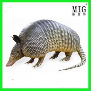 China fiberlgass life size wild animal pangolin statue in outdoor decoration on sale