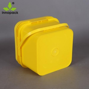 China 4L square food grade plastic bucket on sale