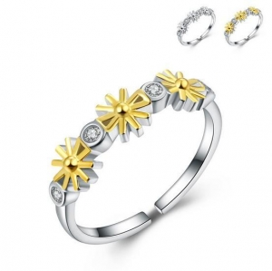 China Fashion Women Finger Ring Daisy Style with Zircon 925 Sterling Silver Ring for Lady on sale