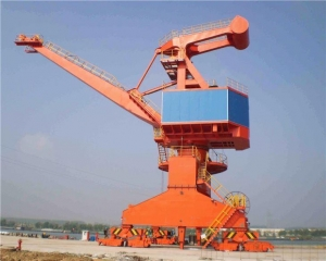 China Changyuan Stationary Type Slewing Portal Crane Pedestal Harbour Crane for Shipyard and Seaport on sale
