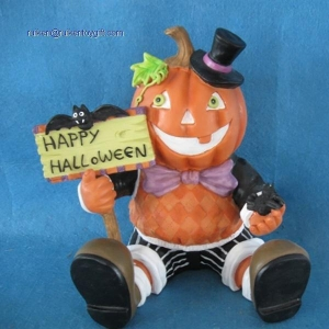 China RK12HL009 6 Inch Resin Pumpkin Bear Holding Happy Halloween Sign on sale