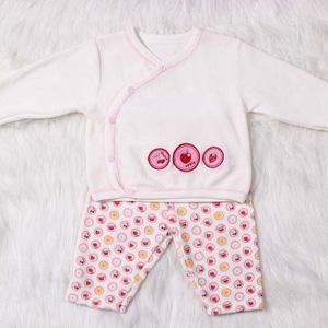 China Sets Velvet Material Lone Sleeve Baby Girl Clothing Set on sale