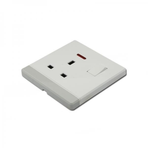 China 13A 1 gang 3pin switch socket with light electrical wall socket on sale