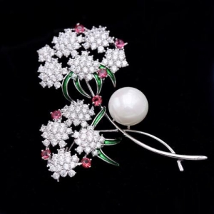 China Bling cubic zirconia pearl flower brooches and pins on sale