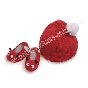 China Crochet 3D Baby Booties with Hat Model:RE1223 on sale