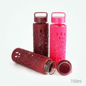 China Glass Water Bottles Silicone sleeve heat insulation and anti scald bottle on sale