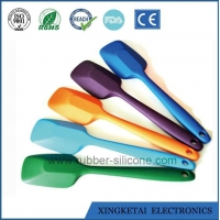 China Wholesale Best Cooking Kitchen Silicone Spatula on sale