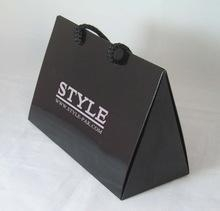 China Factory promotion printing matte black paper bag for triangle shape items luxury triangle bag on sale
