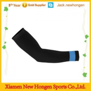 China Men and women use cycling arm warmers on sale