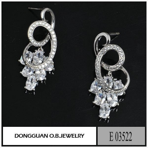 China Earrings E3522 925 Silver Diamond Stud Earrings on sale