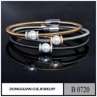 Bracelets B720 Brass Material Two Tone Plated Diamond Cluster Bangle With Pearl