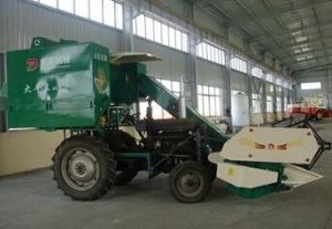 China Model 4ST2Wheat Combine Harvester mounted on tractor on sale
