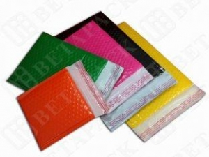 China Personalized Colored Poly Bubble Envelope Tear-Proof Polyethylene Mailers on sale