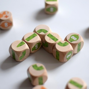 China Latest toys Snake dice game on sale
