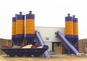Quality Concrete batching plant HLS120 belt type concrete batching plant for sale