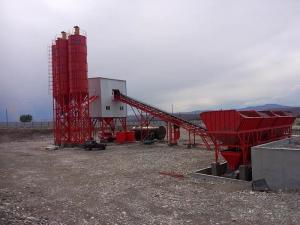 Quality HLS90 belt type concrete batching plant for sale