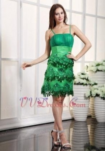 China Fresh Green Knee Length Prom Dress With Spaghetti Straps Luxury on sale