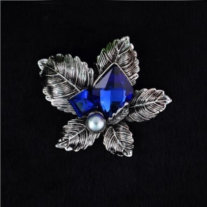 China Vintage Brooch on sale