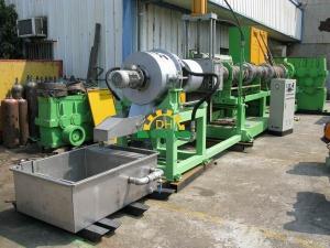 China PLASTIC PELLET MAKING MACHINE 200mm on sale