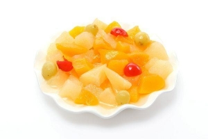 China Canned Fruit Cocktail In Light Syrup on sale