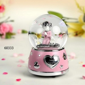 China Snow Globe Music Box Birthday Gifts on sale