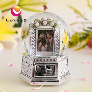 China 120mm Plating Polyresin Snow Globe Music Box on sale