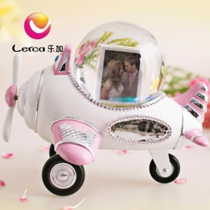 China Plane Photo Water Globe Musical Box Gift on sale