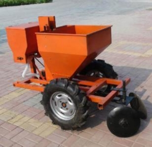 China Single row potato planter on sale