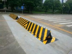 China newest Security hydraulic road blocker for safety insurance on sale