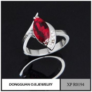 China Handmade Jewelry Cheap Wholesale Fashion Simple 925 Italian Silver Garnet Ring on sale