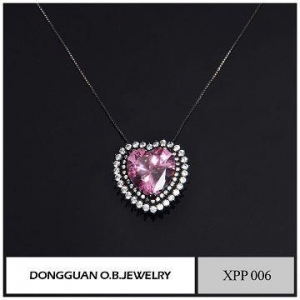 China Pink Stone Jewelry Heart Shape Necklace Jewelry, Nice Designs Brass Material Necklace on sale