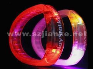 China Plastic Flashing LED Bracelet with Logo Print (4011) on sale