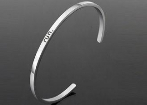 China Jewelry Engraved Stainless Steel Bracelets Silver Cuff Bracelet Heat Resistant on sale