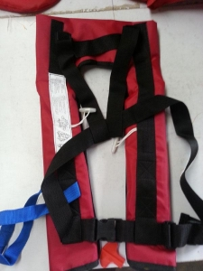 China Neck hanging-inflatable life jackets on sale