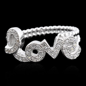 China Love Shaped 925 Sterling Silver Ring with CZ Diamond on sale